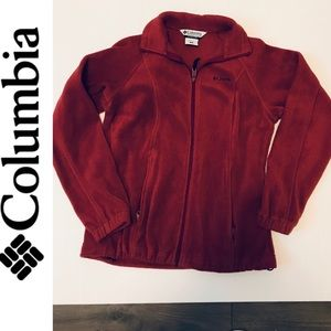 Columbia size M color Burn red